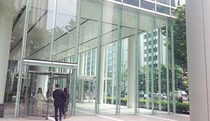 パシフィックセンチュリープレイス丸の内入口